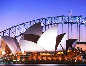 Sydney Opera House - Southport Accommodation