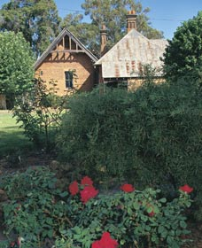 Heritage Rose Garden - Southport Accommodation
