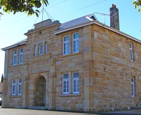 Memorial Hall - Southport Accommodation