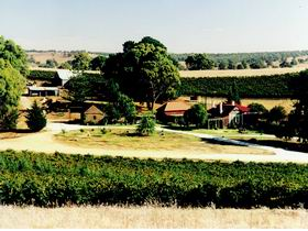 Irvine Wines - Southport Accommodation