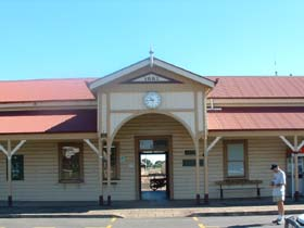 Maryborough Railway Station - Southport Accommodation