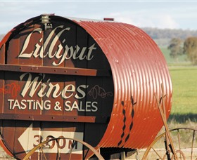 Lilliput Wines - Southport Accommodation