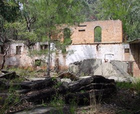 Newnes Shale Oil Ruins - Southport Accommodation
