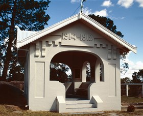 Stanthorpe Soldiers Memorial - Southport Accommodation