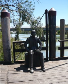 Captain John Egge Statue - Southport Accommodation