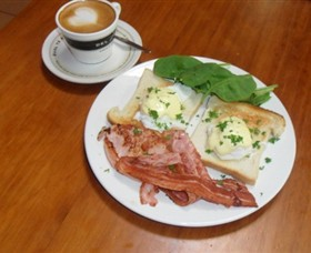 Breretons Bakery and Coffee Lounge - Southport Accommodation