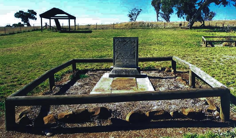 Yuranighs Aboriginal Grave Historic Site - Southport Accommodation