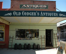 Old Codgers Antiques - Southport Accommodation