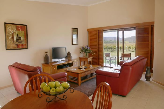 Nightingale Wines Luxury Villas - Southport Accommodation