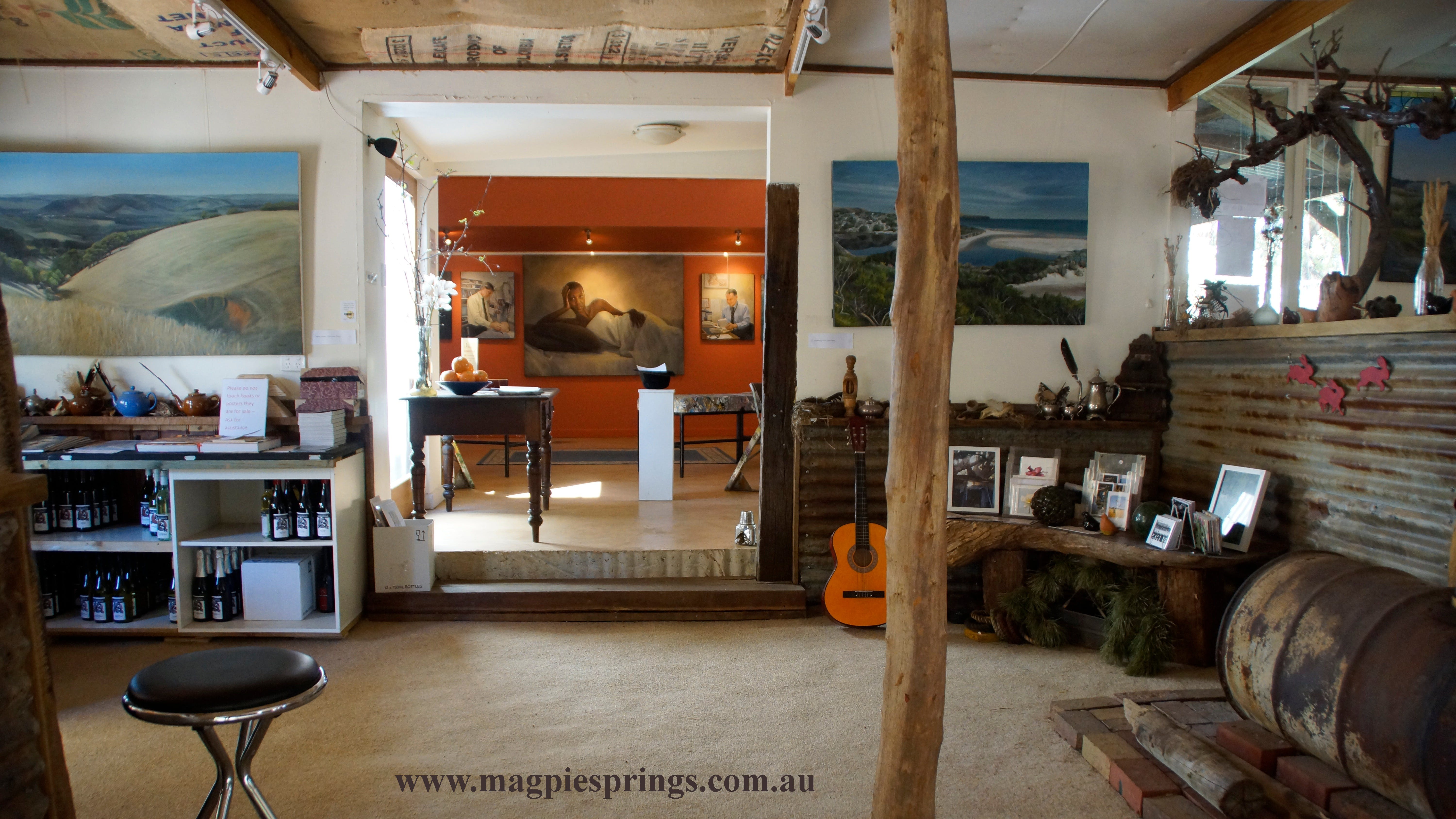 Magpie Springs gallery - Southport Accommodation