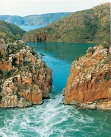 Horizontal Waterfalls - Southport Accommodation