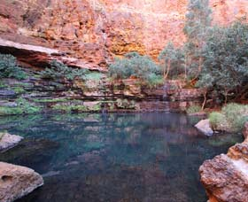 Gorge Rim Walk Dales Gorge - Southport Accommodation