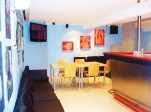 The Alibi Room - Southport Accommodation
