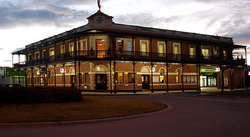 The Grand Terminus Hotel - Southport Accommodation