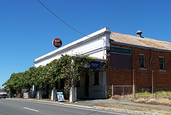 Red Hill Hotel - Southport Accommodation