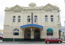 The London Hotel - Southport Accommodation
