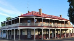 Brookton Club Hotel - Southport Accommodation