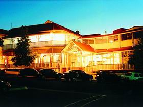 Loxton Community Hotel Motel - Southport Accommodation