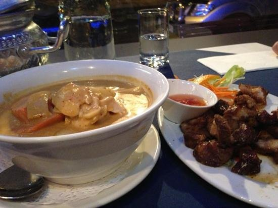 Narai Thai - Southport Accommodation
