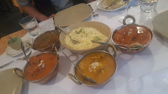 Tandoori  Curry Club - Southport Accommodation