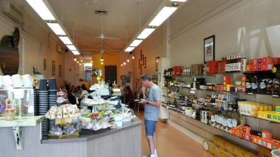 Yellow Belly Deli - Southport Accommodation
