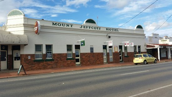 Mount Jeffcott Hotel - Southport Accommodation