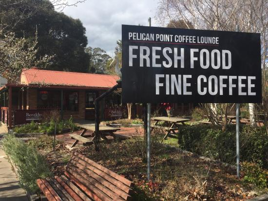 Pelican Point Coffee Lounge - Southport Accommodation
