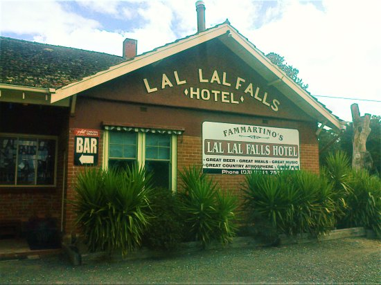 Lal Lal Falls Hotel - Southport Accommodation