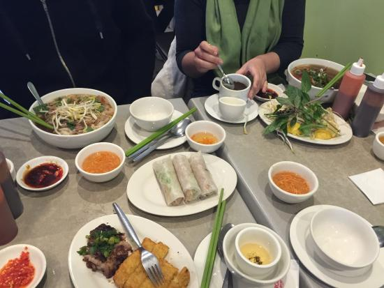 Bau Truong Restaurant - Southport Accommodation