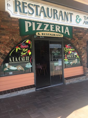 Anna  Sam Pizzeria Restaurant - Southport Accommodation