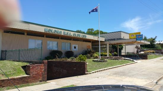 Molong R.S.L - Southport Accommodation