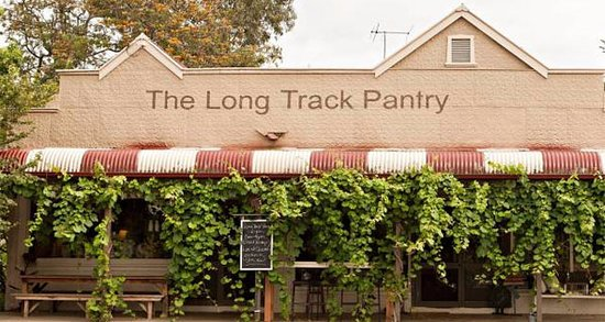 Long Track Pantry Cafe - Southport Accommodation