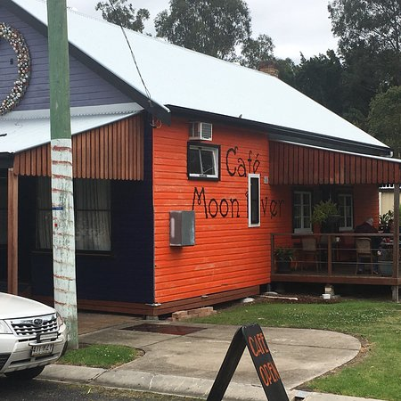 Moon River Cafe - Southport Accommodation