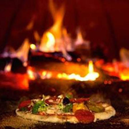 Jens Woodfired Pizzas - Southport Accommodation