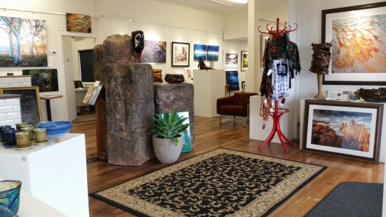 Penguin Creek Gallery Cafe - Southport Accommodation