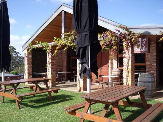 Singlefile Winery Restaurant - Southport Accommodation