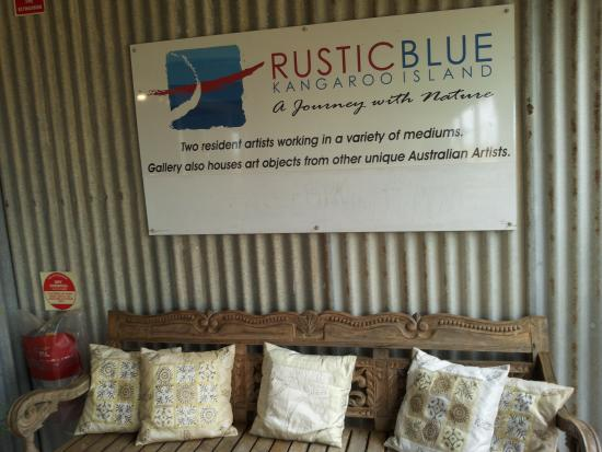 Rustic Blue - Southport Accommodation