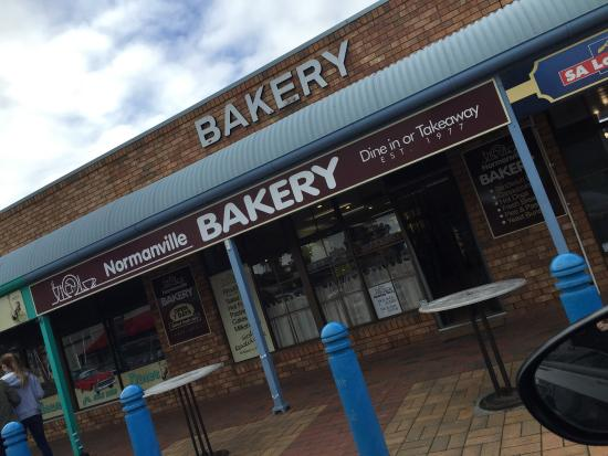 Normanville Bakery - Southport Accommodation