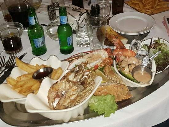 Ashmore Seafood and Steakhouse - Southport Accommodation