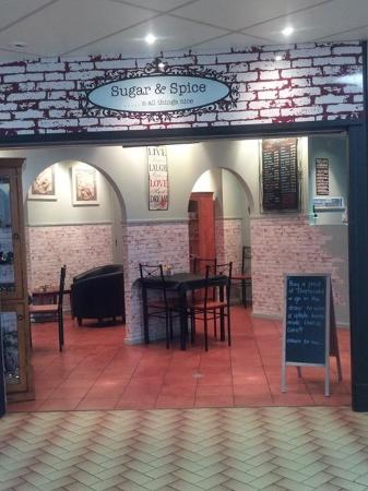 Leonore's Coffee Lounge - Southport Accommodation