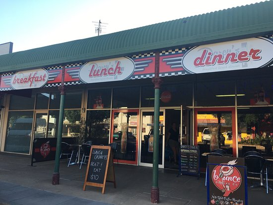 Darcy's Diner - Southport Accommodation