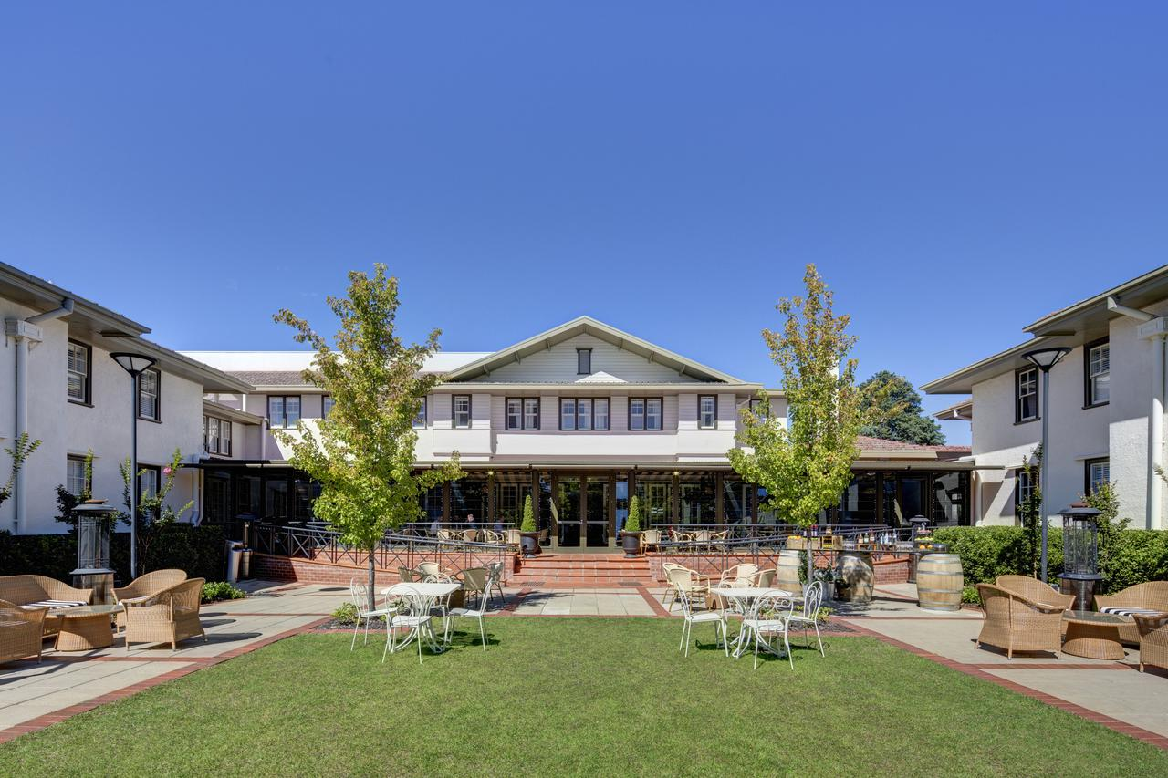 Hotel Kurrajong Canberra - Southport Accommodation