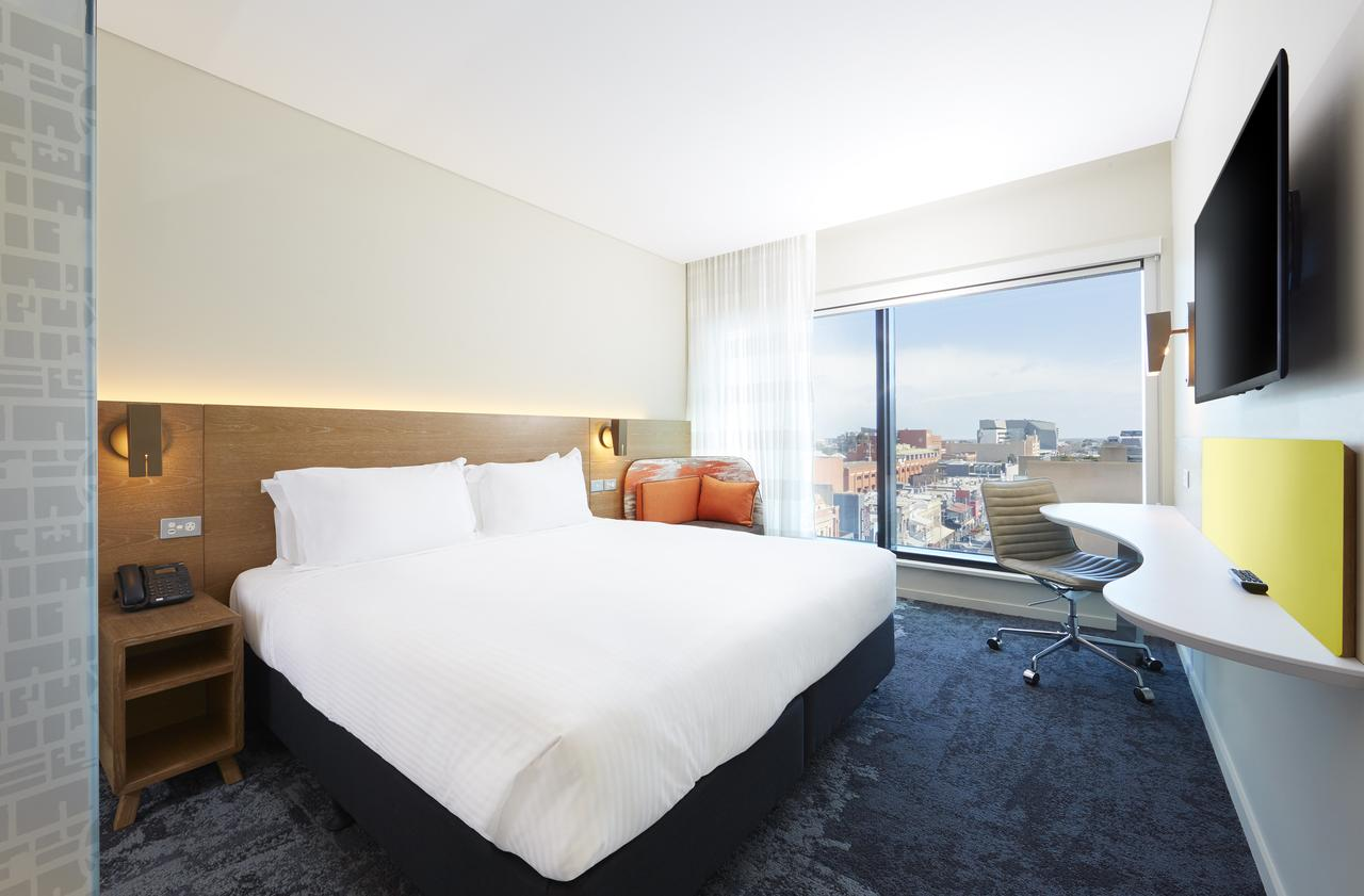 Holiday Inn Express Adelaide City Centre - Southport Accommodation