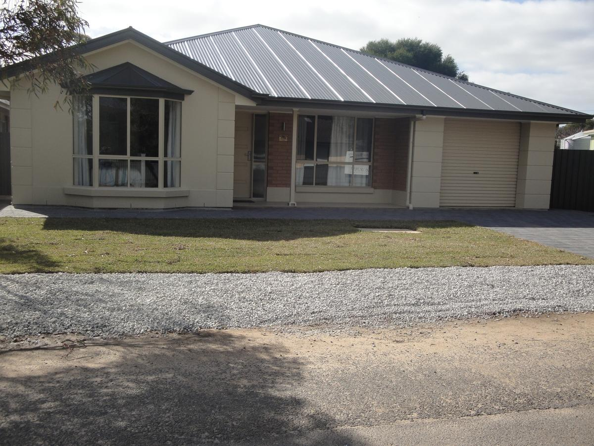 White Sands Retreat - Southport Accommodation