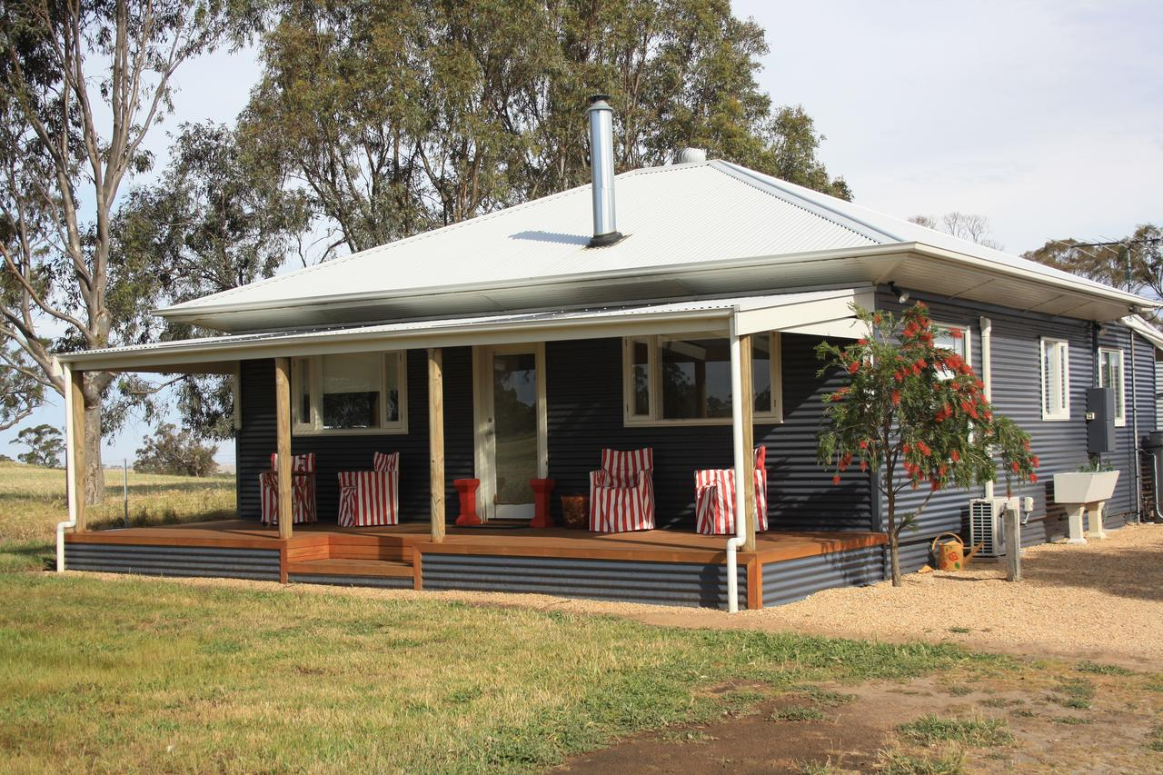 Rabbiters Hut - Southport Accommodation