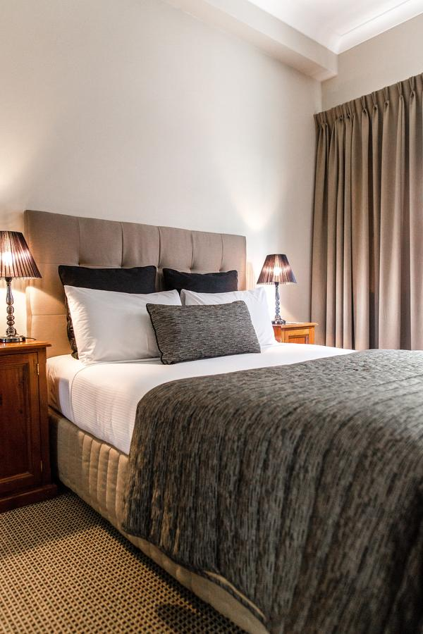 The Belmore All-Suite Hotel - Southport Accommodation