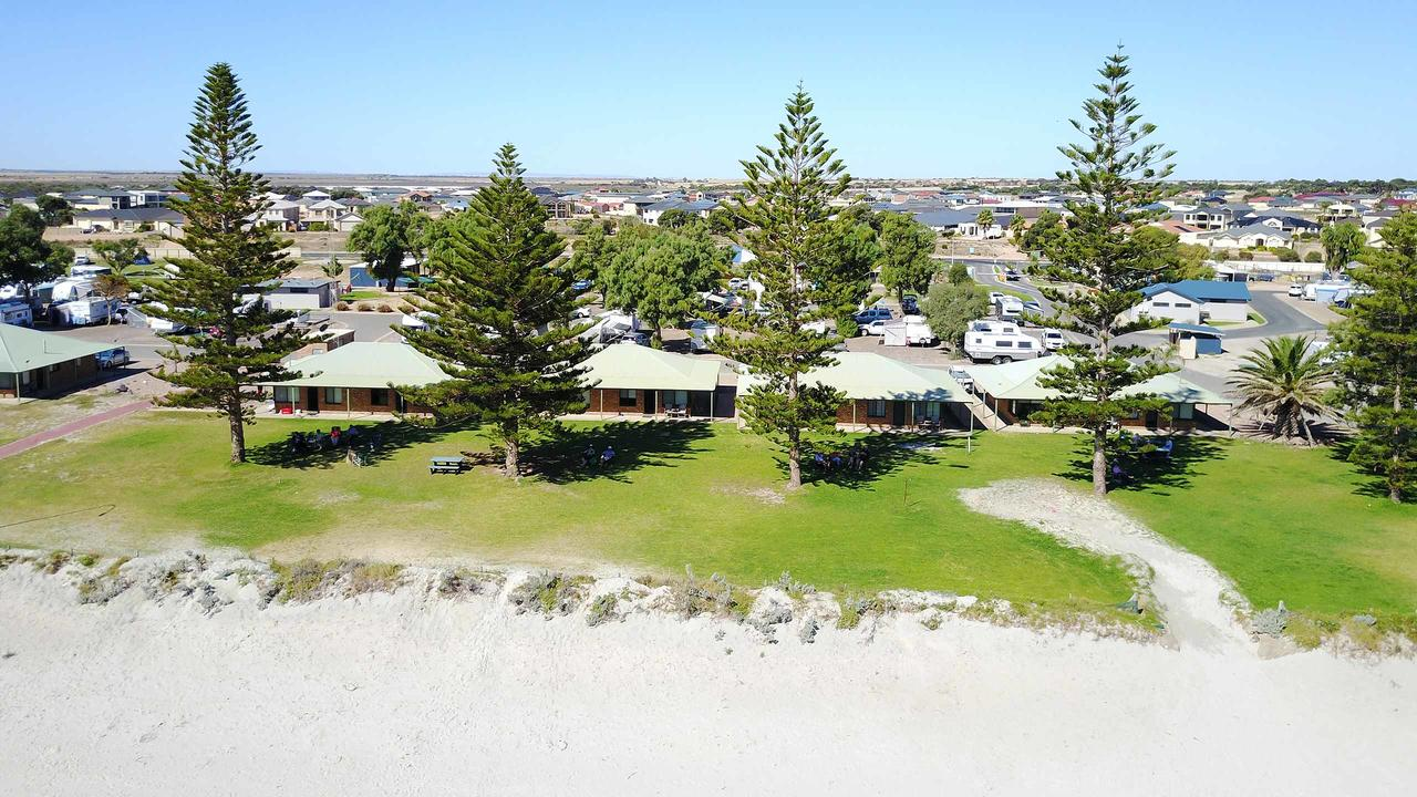Wallaroo Holiday Park - Southport Accommodation