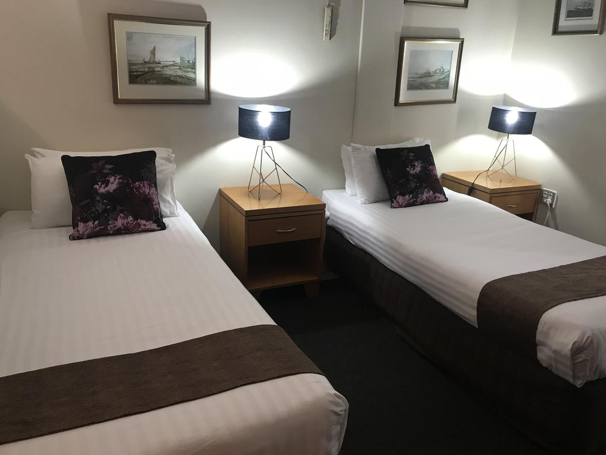 Mariners Court Hotel - Southport Accommodation