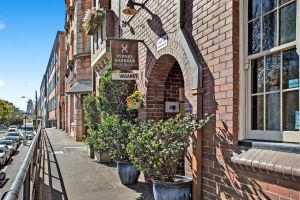 Sydney Harbour Bed and Breakfast - Southport Accommodation