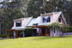 Bawley Bush Retreat and Cottages - Southport Accommodation